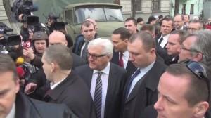 ukraine-steinmeier-and-sikorski-leave-presidential-palace-after-key-negotiations