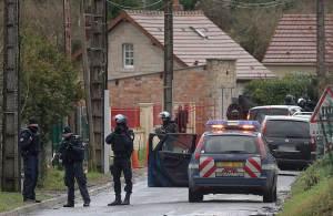 FRANCE-ATTACKS-MEDIA-POLICE-SEARCH